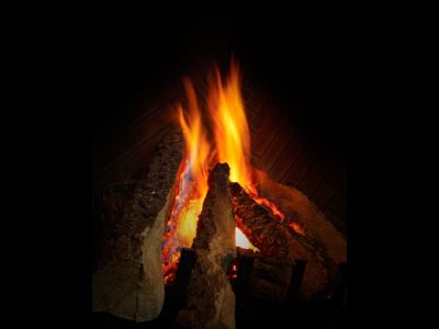 Heat & Glo | Everest Gas Fireplace | Vertical Gas Fireplace Prices Ottawa Showroom
